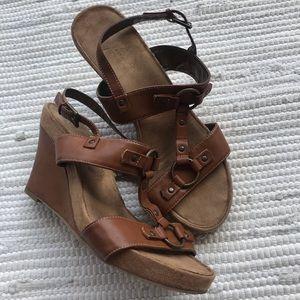 AEROSOLES Plush Wedge Sandals 9W